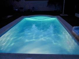 Piscinas brunete iluminacion de piscinas prefabricadas en for Iluminacion led para piscinas